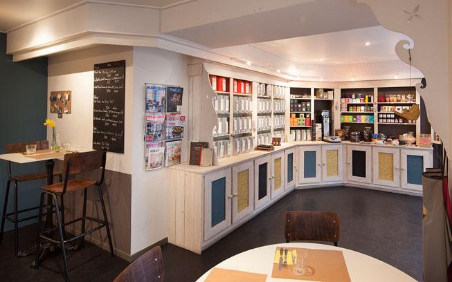 Rénovation d'un Salon de thé à Carquefou par De l'intérieur, Décoratrice UFDI à Nantes 44 : vue assis d'une table