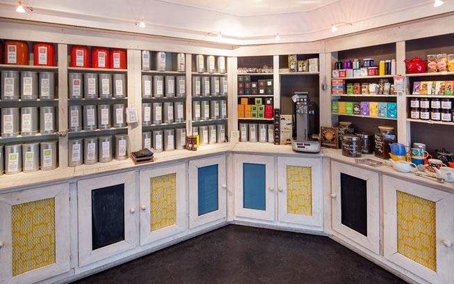 Rénovation d'un Salon de thé à Carquefou par De l'intérieur, Décoratrice UFDI à Nantes 44 : zoom sur la zone épicerie