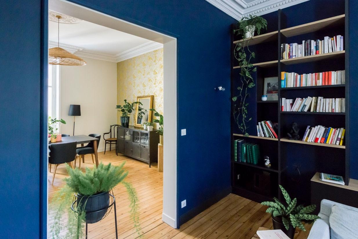 Rénovation maison nantaise par Amélie Beaumont, Décoratrice UFDI à Nantes et Pays de Loire 44 : Vue d'ensemble de la salle à manger et salon