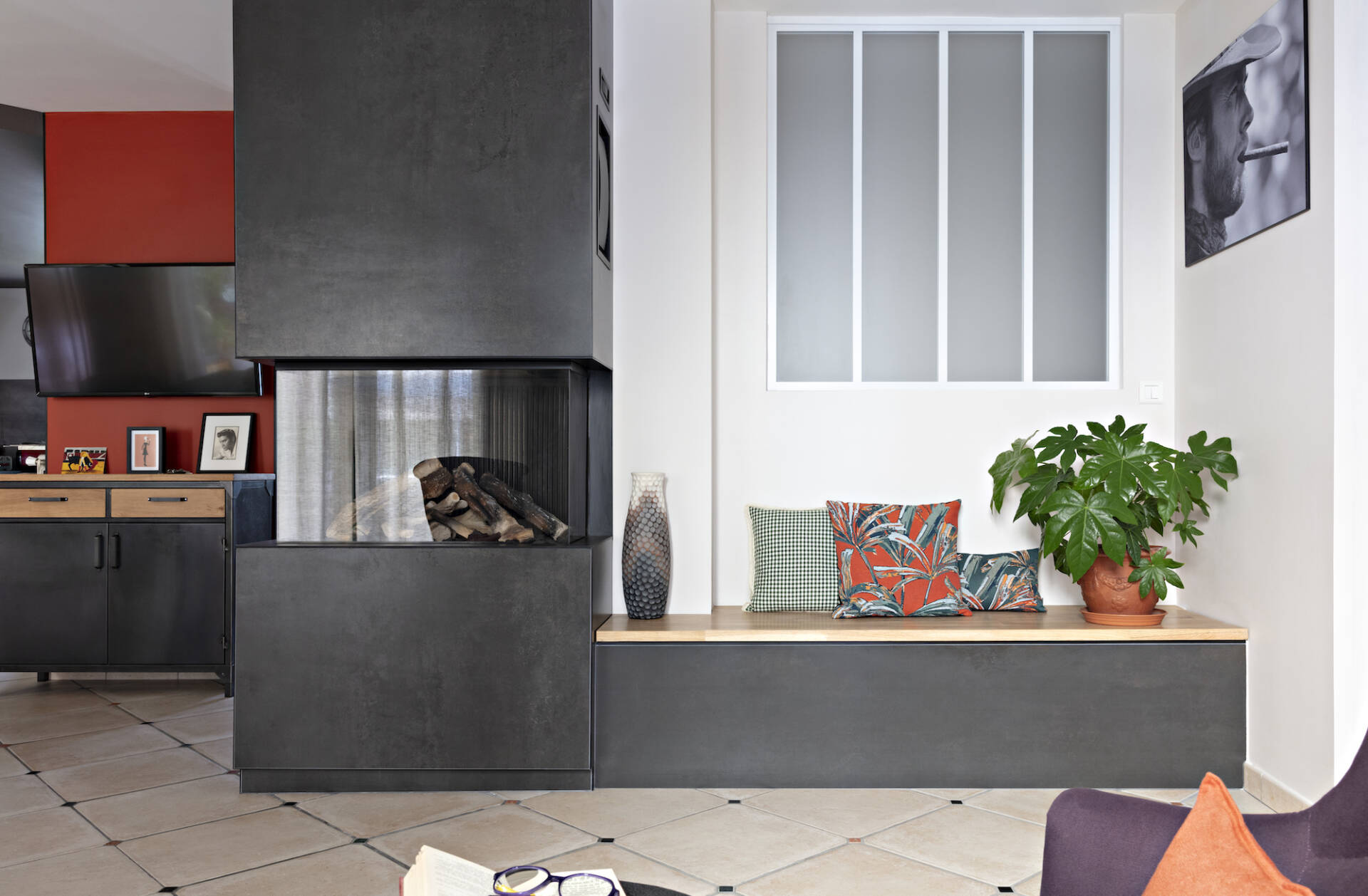 La cheminée de chez M.Design, par Amélie Beaumont, Décoratrice UFDI à Nantes et Pays de Loire 44